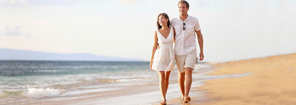 Are there any warm beaches near Santa Clara?